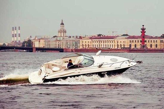 Faberge博物館とYusupov宮殿を持つサンクトペテルブルクの3日間の…
