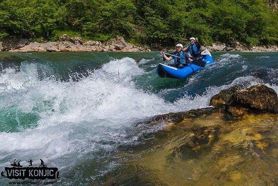 划独木舟的内雷特瓦河