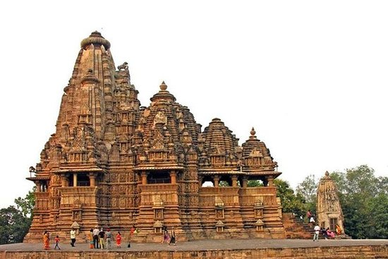 2 Days Private Khajuraho Tour From New Delhi with Hotel and Train Ride