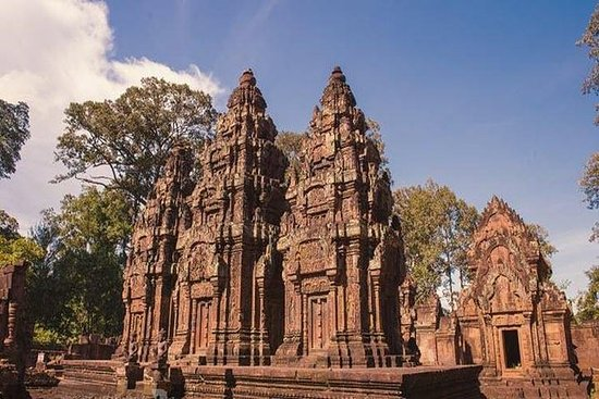 Amazing excursion temple of Banteay...
