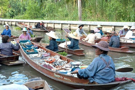 Tha Kha Floating Market Private Tour