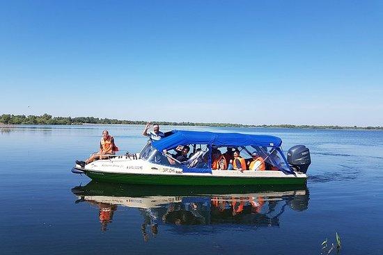 PRIVATE Full DAY speedboat tur til...