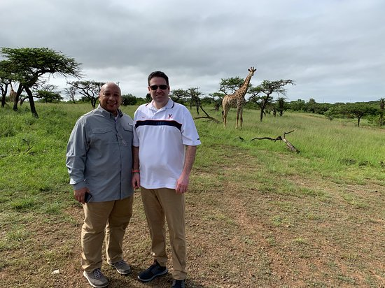 Experiência Mini Safari e Zulu Cultural - Day Tour: Tim took this photo of us near the visitor's center.