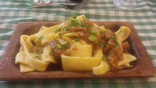Torrice, Italie : pappardelle ai funghi porcini