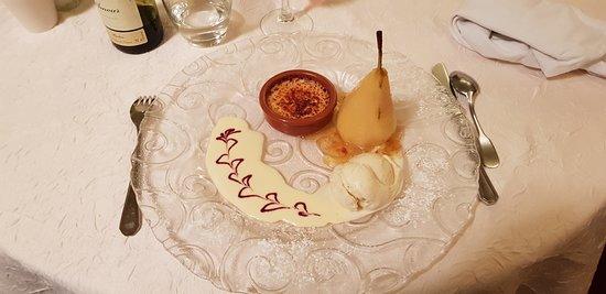 Pleyben, Prancis: Poire pochée glace vanille