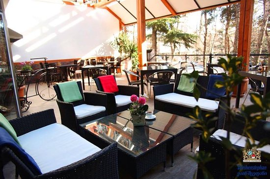 Restaurant ''Weihenstephan'' - Tbilisi/A.Kazbegis N27 - Terassa