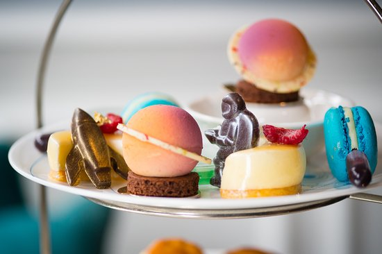The Drawing Rooms: Science Afternoon Tea at The Ampersand Hotel