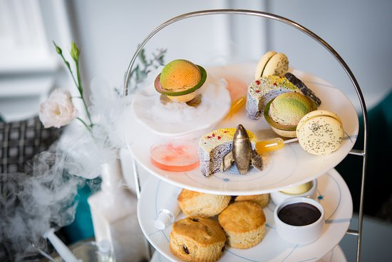 The Drawing Rooms: Vegan Science Afternoon Tea at The Ampersand Hotel