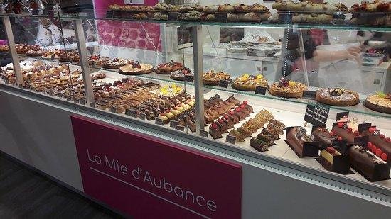 Murs-Erigne, France: Boulangerie Patisserie la Mie d'Aubance