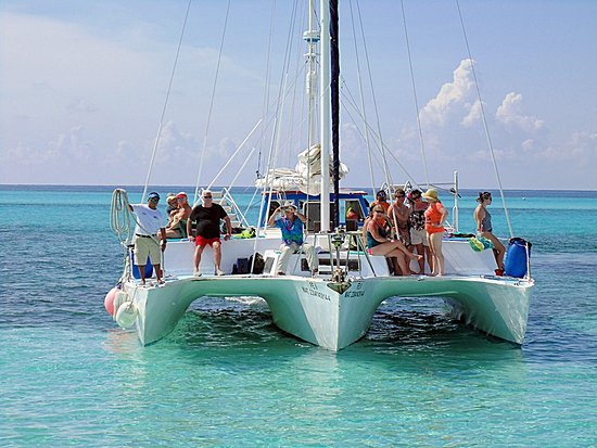 ‪FE Catamaran Sail and Snorkel Cozumel‬