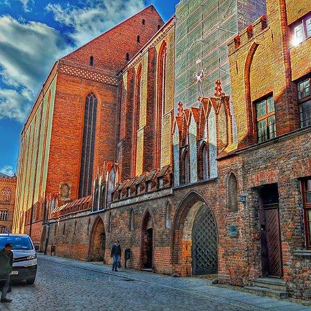 St. Mary's Church: St. Mary's Church
