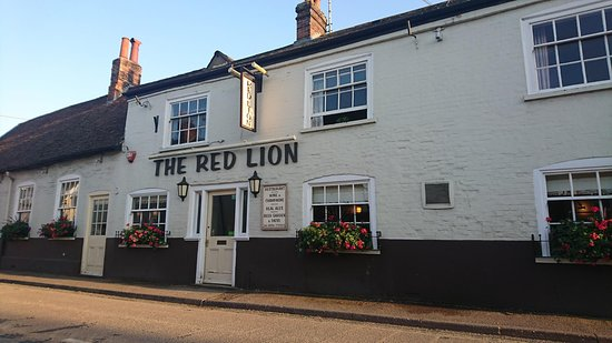 The front of the Red Lion in Overton