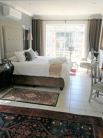 Suite 1 1 Bedroom Full Bathroom Separate Living Area Kitchenette Picture Of At 98 On Lynburn Guest House Pretoria Tripadvisor