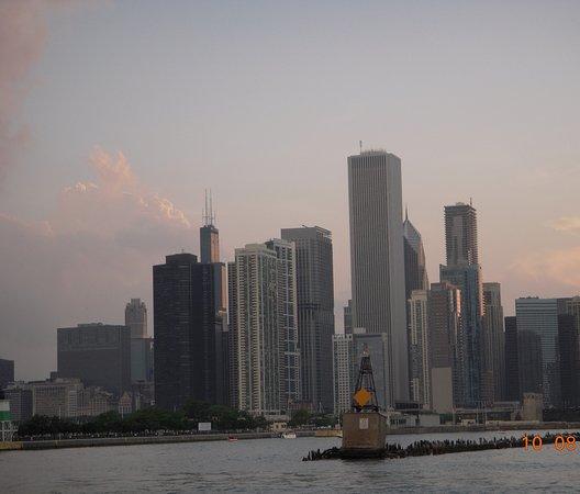Chicago: veduta dal battello sul lago Michigan