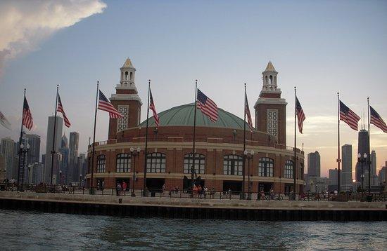 Chicago: padiglione sul lago Michigan
