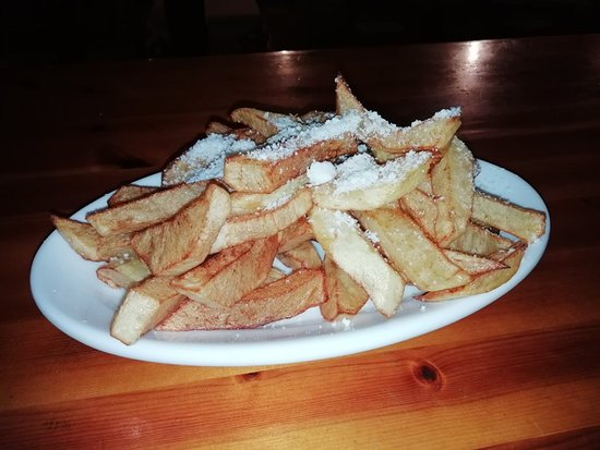 Kivernitis: Πατάτες με ανθότυρο! Chips with cheese!