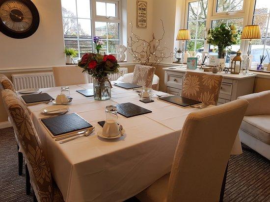 Cranfield, UK: Breakfast Room at Wisteria Haze Bed and Breakfast