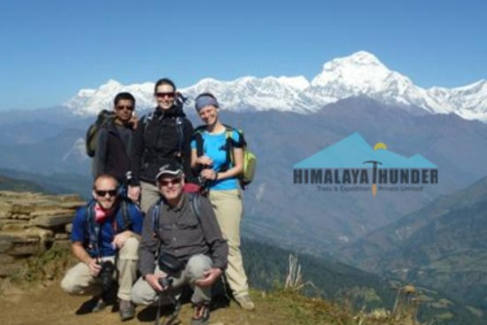 Ghorepani, Nepál: My great team almost higher then Mt. Dhaulagiri from Poon hill :)