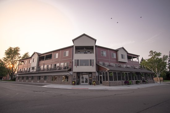Marine City, MI: Welcome the Inn on Water STreet - Up North Vibe Without the Drive