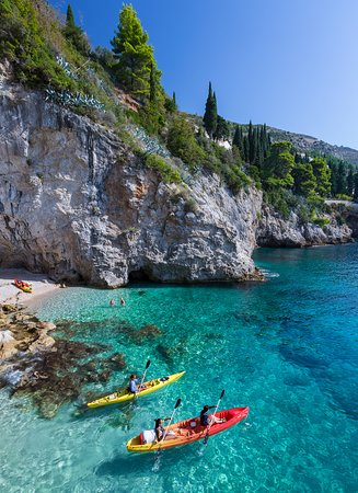 Adventure Dubrovnik: Explore the stunning natural setting on our Dubrovnik Kayak tour.