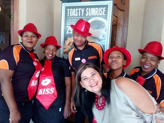 Lichtenburg, Republika Południowej Afryki: Jip, staff playful with special friends...….all clients are our friends!!