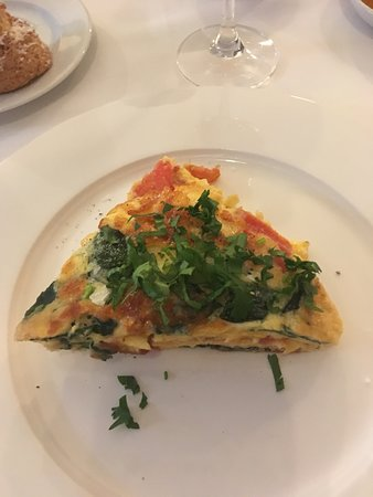 Balquhidder, UK: Omelette made to order ... special request was happily accepted.