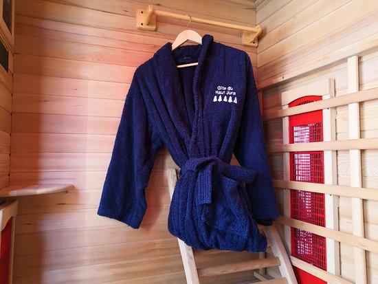 Chaux-des-Crotenay, France: sauna intégré au gite