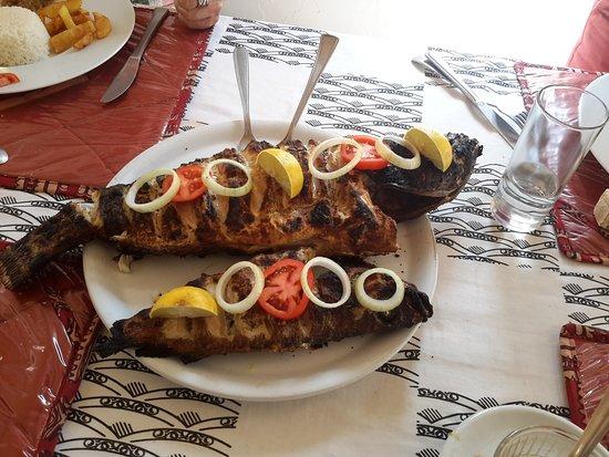 Mar Lodj, Senegal: Un thiof grillé