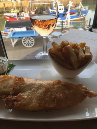 Crab & Winkle Restaurant: The delicious fish and chips!