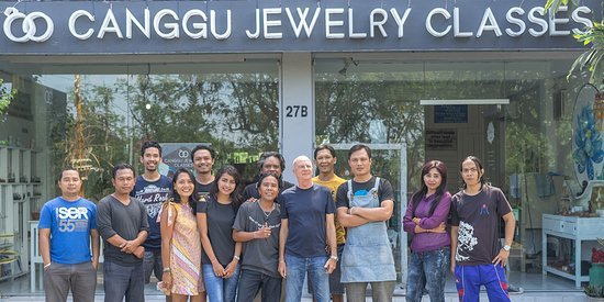 Our Canggu Jewelry Classes studio is located just down the street from Echo Beach on Jalan Pantai Batu Bolong No 27B,
