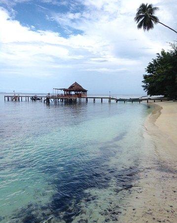 Seram Island, Indonesien: Dit is het restaurant waar je 4x per dag heerlijke maaltijden krijgt.
