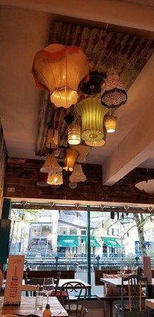 Hooked Sligo: Eclectic decor :)