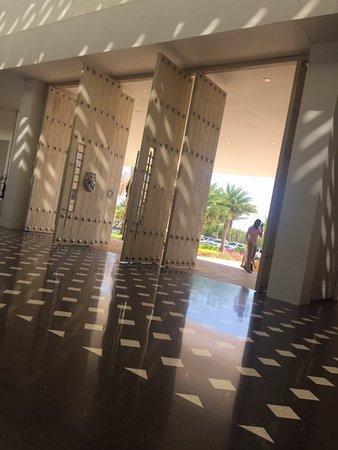 Cartagena, Kolumbien: servicio especial de Transfer desde el aeropuerto hacia el  Hotel Conrad en el sector de Manzanillo o viceversa tenemos el l mejor precio del Sector