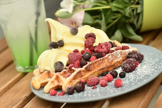 Gofrizzz: csavaros fagylalt gyümölccsel, az egyik kedvenc a forró nyári napokon:)