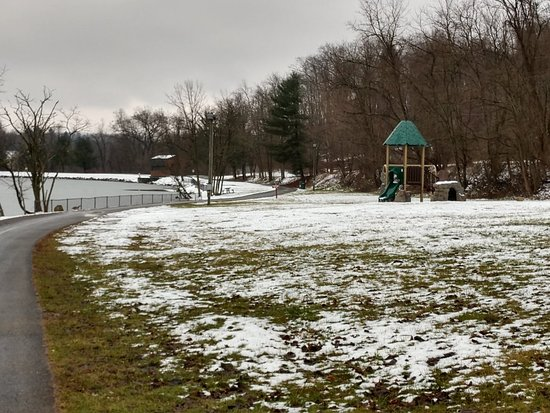 Indian lake Park was starting to freeze over today