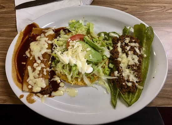 Rio Rancho, NM: The #18 dinner - chalupa, taco and chile relleno