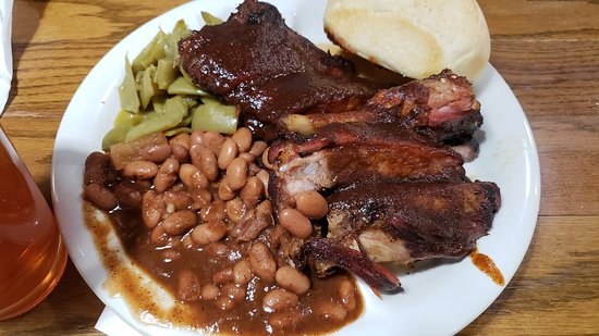 Spring Creek Barbeque The Bbq Rib Dinner With Green Beans And Pinto