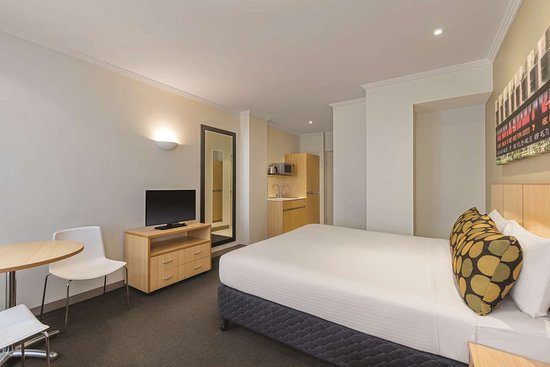 travelodge hotel sydney martin place guest room king