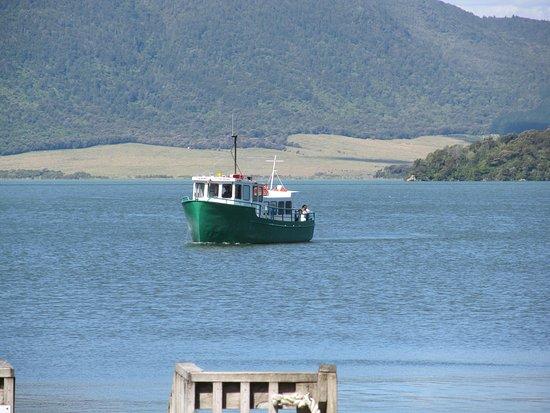 Waimangu, Новая Зеландия: The lake cruiiser