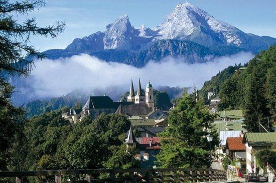 ザルツブルグからのプライベートバイエルン山ツアー