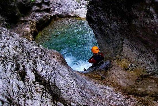 Excursion familiale en canyoning à...