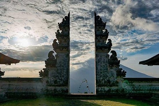 Lempuyang Luhur Private Tour
