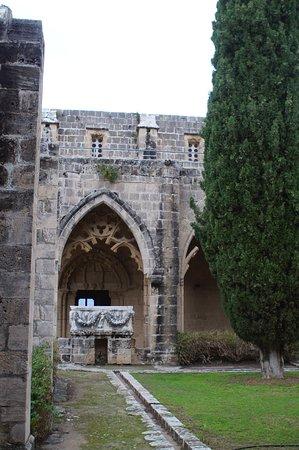 Excursão privada aos destaques de Kyrenia de Nicósia: Bellapais