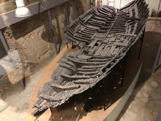 Excursão privada aos destaques de Kyrenia de Nicósia: At the shipwreck museum