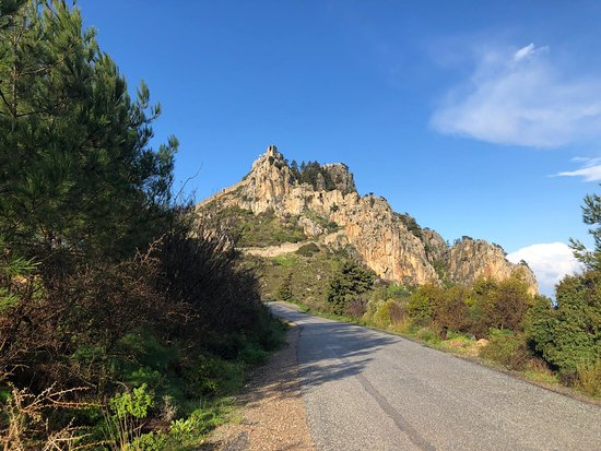 Excursão privada aos destaques de Kyrenia de Nicósia: close to the first official stop