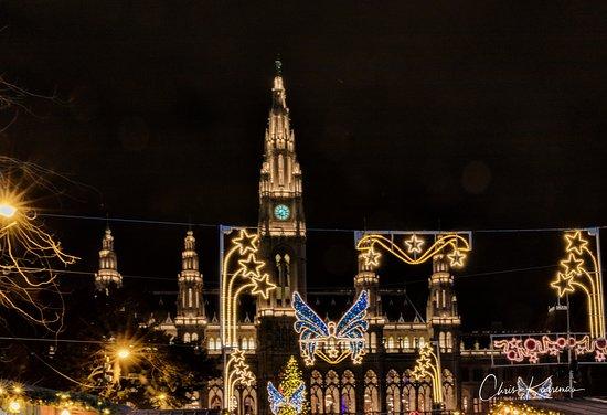 Kerstverlichting rond het Rathaus