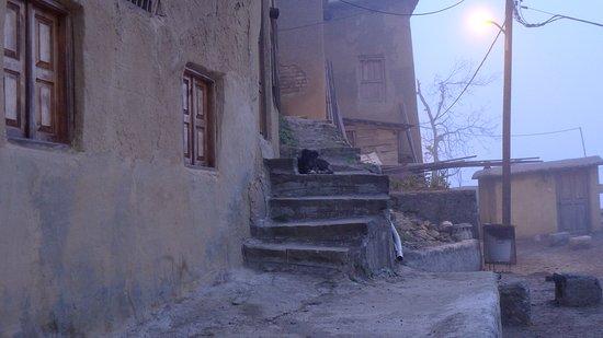 Masouleh Village: Местный житель Масуле