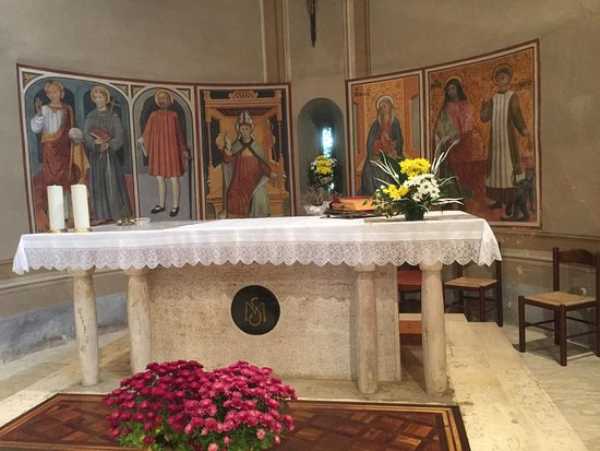 Busca, Italië: L'abside