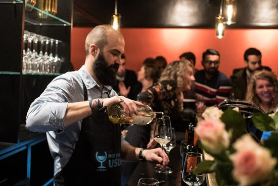 Not Your Usual Wine bar - Vin bar: Always a great crowd on the weekend