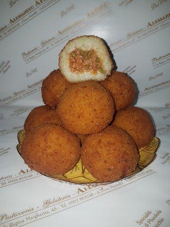 Canicatti, Italy: arancini al ragu'